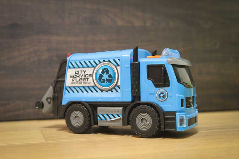 giocattolo camion spazzatura - Divertimento per Bambini a Padova con le Lezioni di Inglese