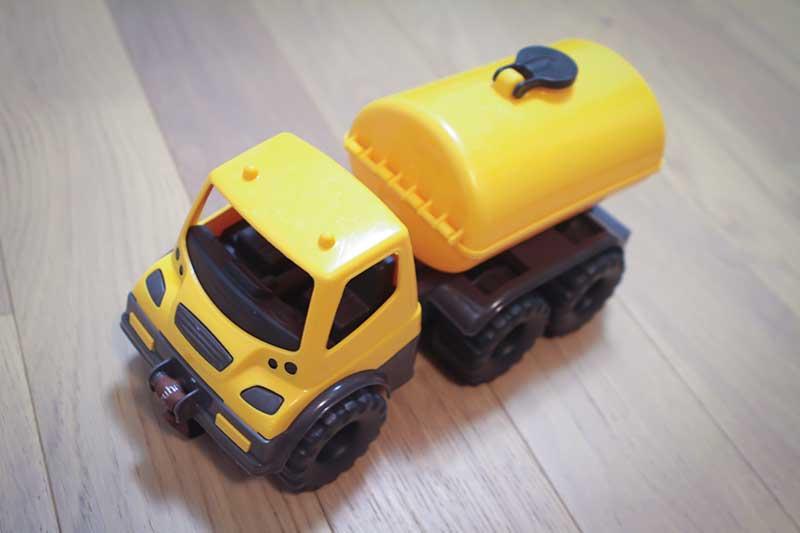 giocattolo camion.cisterna - Divertimento per Bambini a Padova con le Lezioni di Inglese
