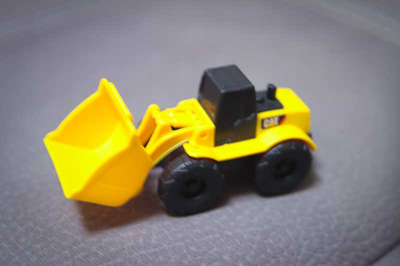 giocattolo ruspa cantiere gialla - Divertimento per Bambini a Padova con le Lezioni di Inglese
