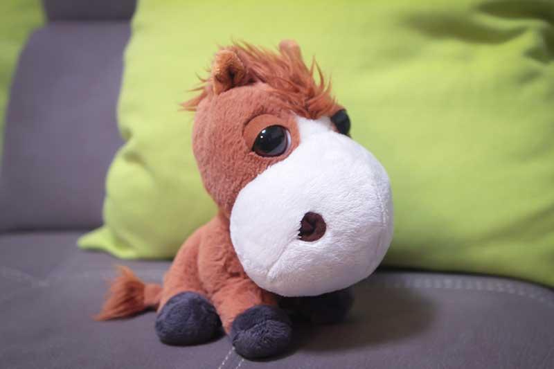 pupazzo cavallo marone - Divertimento per Bambini a Padova con le Lezioni di Inglese